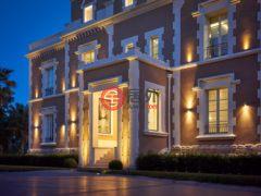 居外网在售法国戛纳9卧的房产总占地8000平方米