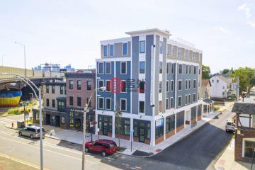 居外网在售美国19卧32卫最近整修过的房产总占地1093平方米USD 14,500,000