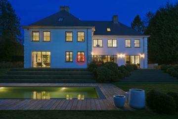 居外网在售比利时6卧4卫特别设计建筑的房产总占地1700平方米EUR 5,080,000