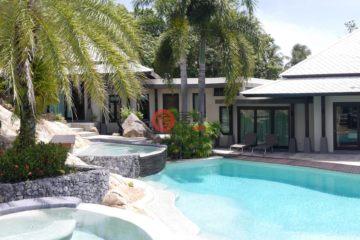 居外网在售泰国3卧4卫曾经整修过的房产总占地1475平方米USD 860,000