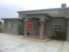 居外网在售海地6卧4卫的房产总占地372平方米USD 255,000