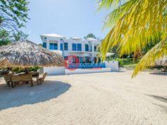 居外网在售洪都拉斯Roatán3卧4卫的房产USD 41,062 / 月
