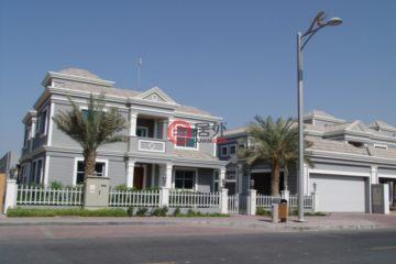 居外网在售阿联酋5卧7卫新房的房产总占地903平方米AED 5,979,135