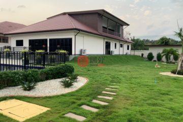 居外网在售泰国5卧6卫新房的房产总占地1600平方米THB 15,450,000