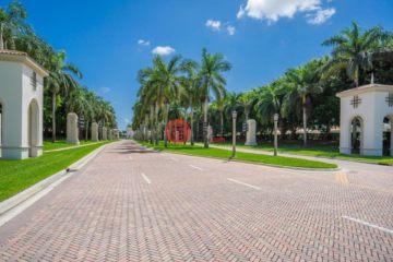 美国房产房价_佛罗里达州房产房价_惠灵顿房产房价_居外网在售美国惠灵顿4卧3卫最近整修过的房产总占地645平方米USD 435,000