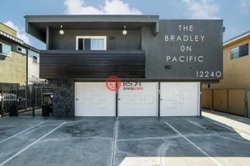 居外网在售美国洛杉矶10卧13卫的房产总占地697平方米USD 6,899,000