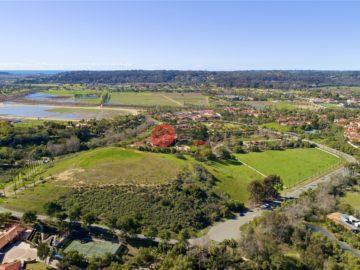 居外网在售美国兰乔圣菲USD 7,000,000总占地50424平方米的土地