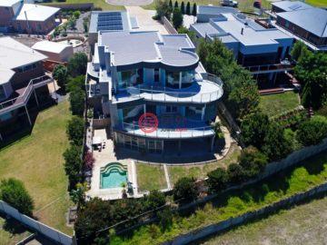 居外网在售澳大利亚5卧3卫特别设计建筑的房产总占地1084平方米