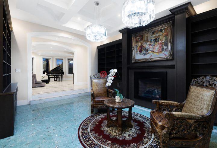 加拿大不列颠哥伦比亚省西温哥华的房产,5358 Kensington Crescent,编号54988539